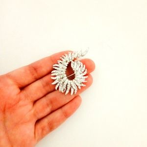 Silvertone vintage studded brooch with clasp